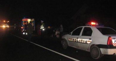 Accident rutier urmat de o bătaie între rromi, terminată cu 3 persoane înjunghiate!