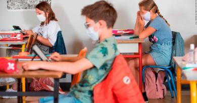 Structura anului școlar 2021-2022: Cursurile încep luni, 13 septembrie