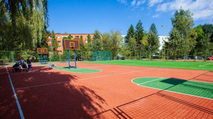 21 de terenuri de sport în cartierele Braşovului. 8 dintre ele vor fi construite de la zero