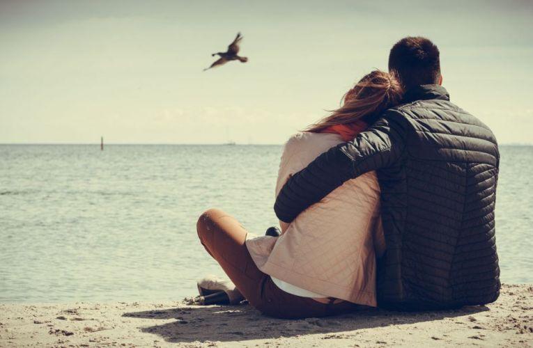"""""""Să dăruieşti iubire şi să primeşti iubire fără rezerve,  acesta este pentru mine ţelul suprem.""""  Anthony Quinn"""