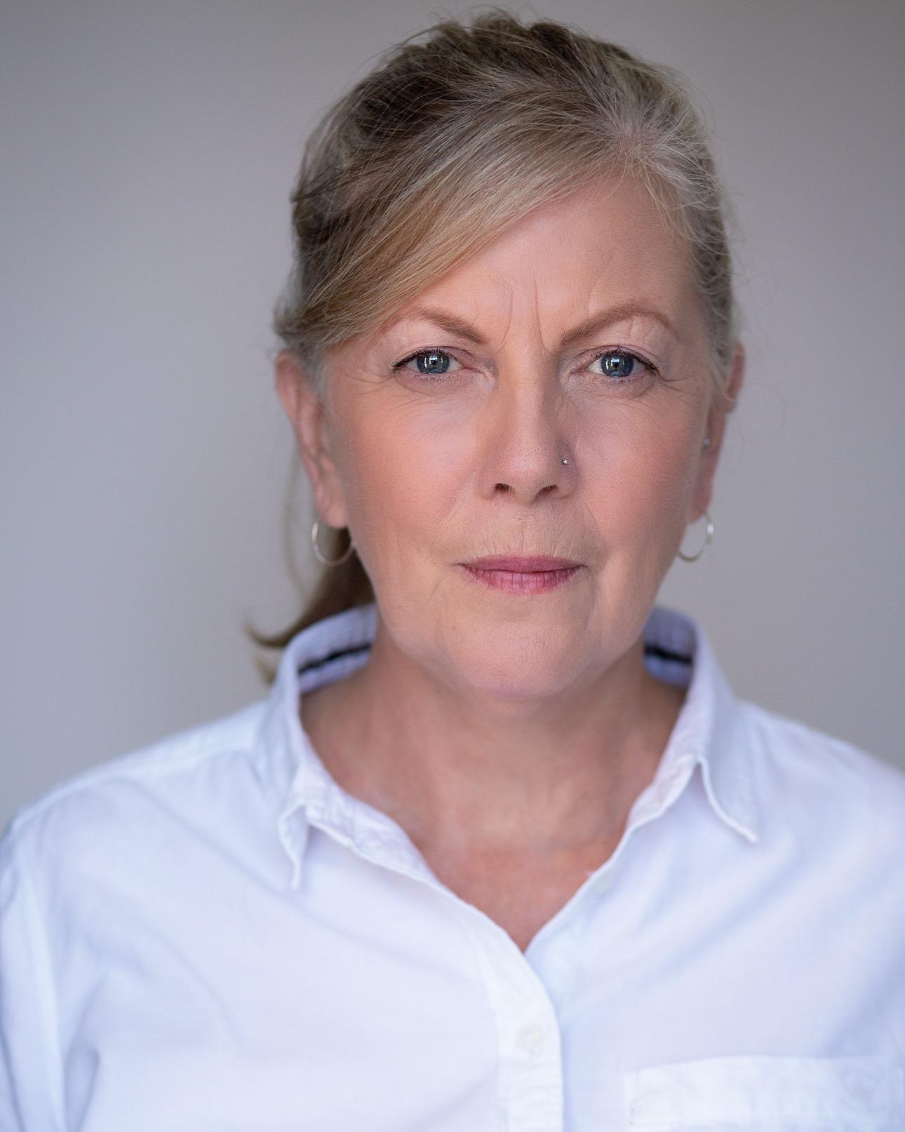 Female Actors Suzanne
