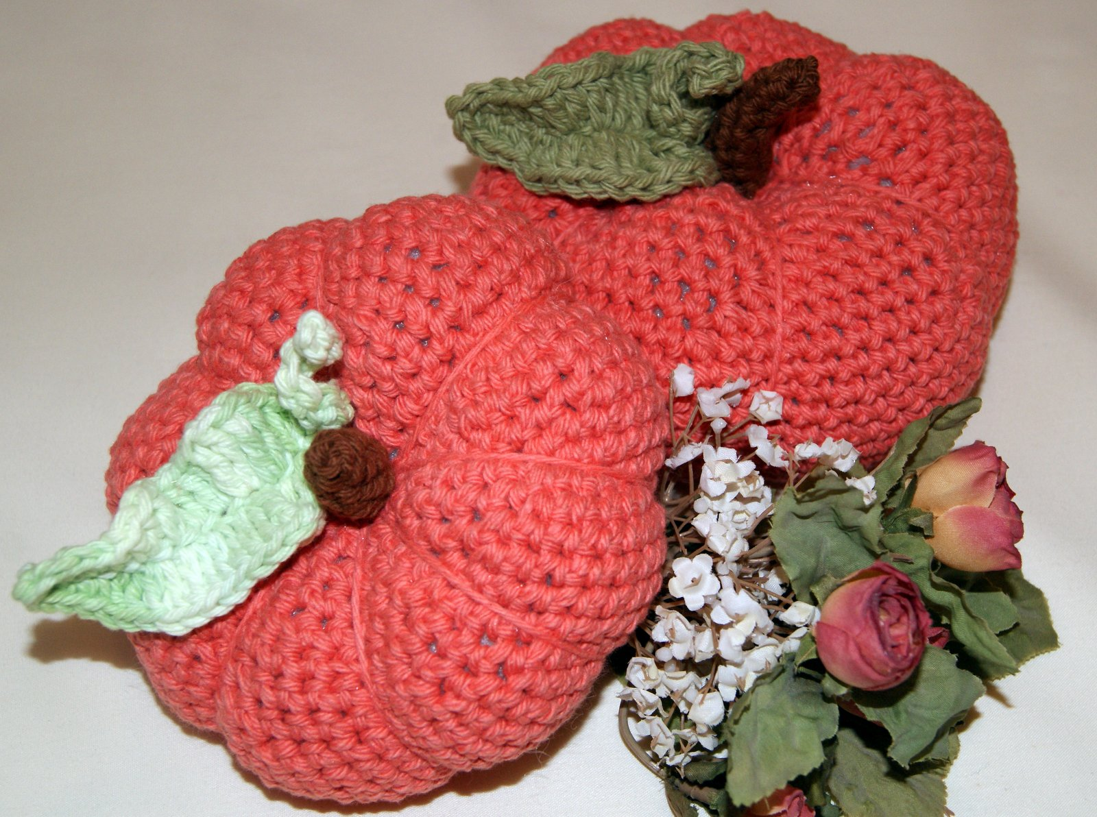 Crochet Pumpkin With Leaf Tutorial Stitch4ever