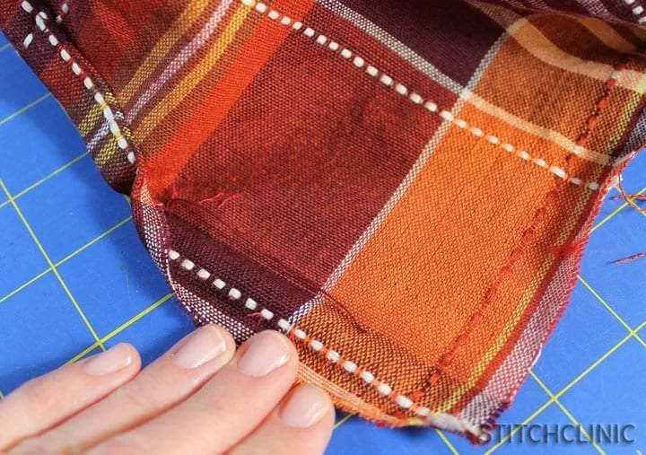 How to make a table runner from a table cloth