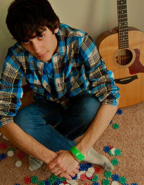 STEVE SALAZAR RELEASES A NEW CHRISTMAS SONG