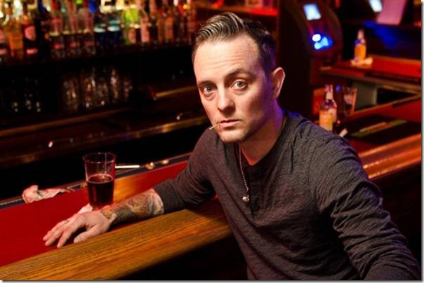 Dave Hause sign to Rise Records