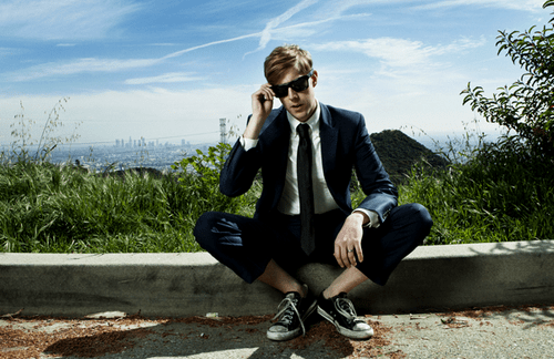 "Andrew McMahon In The Wilderness release new song, ""Fire Escape"""