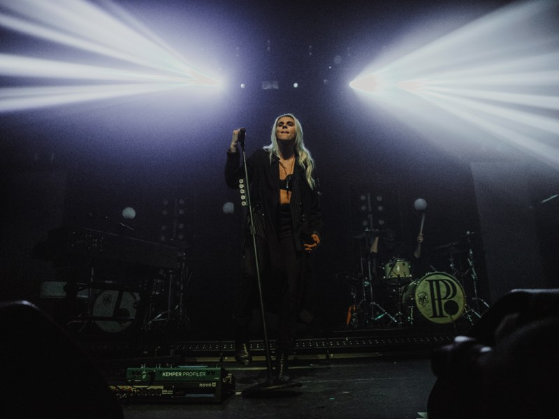 Flint Eastwood – Lights – PVRIS // New York, NY 10.10.17