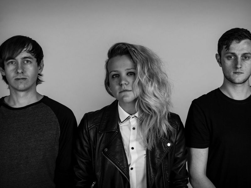 Artist Spotlight: Everything Aside