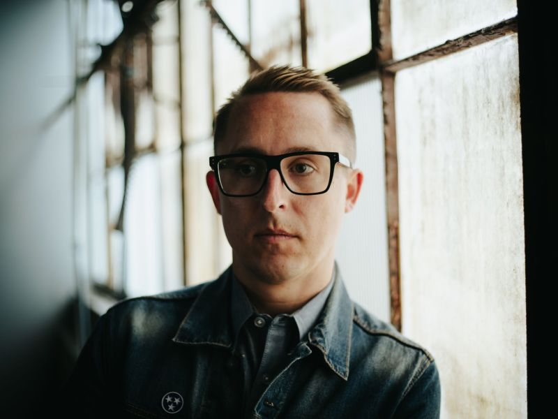 "William Ryan Key releases music video for ""Old Friends"""