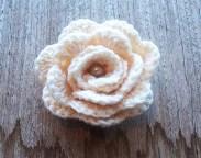 crochet rose brooch - stitchedupmama