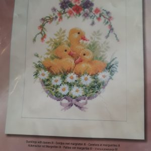 DUCKLINGS WITH DAISIES CROSS STITCH