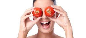 Read more about the article Μάσκα προσώπου με ντομάτα για να μοιάζεις 5 χρόνια νεότερη!(video)