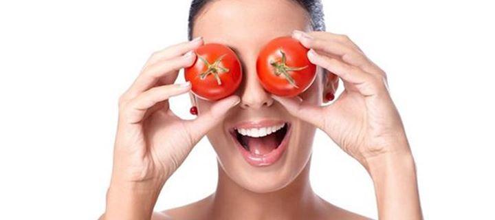 Μάσκα προσώπου με ντομάτα για να μοιάζεις 5 χρόνια νεότερη!(video)