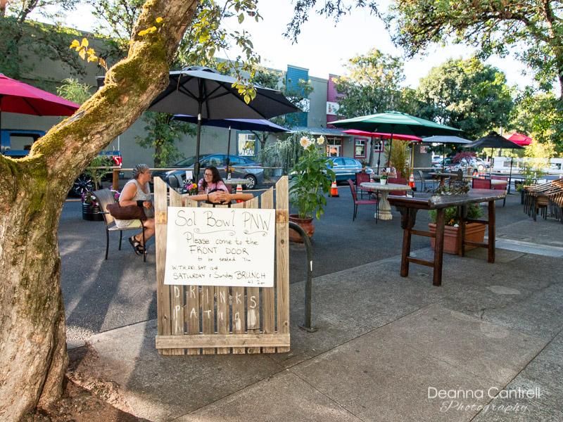 Sol-Bowl_PNW-patio-dining