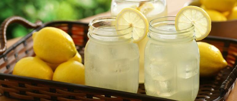incredible-hero-Jim-Beam-Lemonade-1