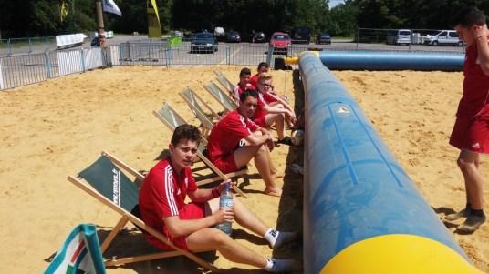 Entre les matchs et sous un soleil de plomb, la pause est bien appréciée !!!
