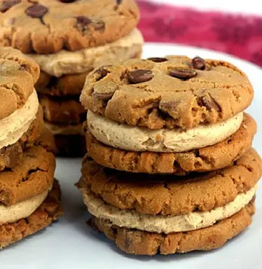 GF_Peanut_Butter_Chocolate_Chip_Cookies_with_Peanut_Butter_Cinnamon_Cream