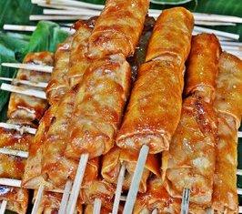 Turon de Saba – Filipino Deep Fried Caramalized Plantains