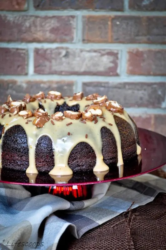 Chocolate-Coffee_Cake_with_Kahlua_Sauce