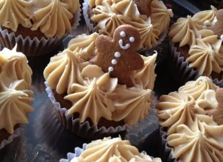 After making some gingerbread cookies, I thought they would look adorable on top of some gingerbread cupcakes. The molasses and ginger takes me back to Granny's kitchen and watching her bake.  Such nostalgia.