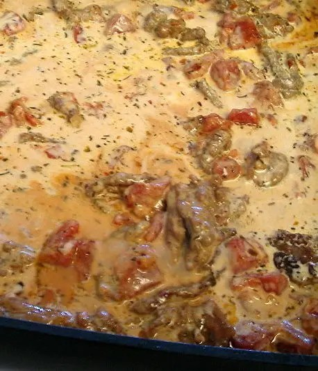 Recipe for Fettucine with Creamy Tomato and Sausage Sauce