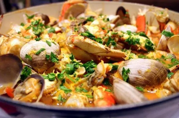 Seattle-style Cioppino – Seafood Stew