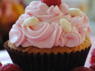 Recipe for White Chocolate Raspberry Cupcakes