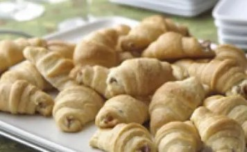 Few things are better than when bacon and cheese meet with buttery bread and have a party. These easy Bacon and Cream Cheese Crescent Rolls come together in a flash and only require three ingredients.