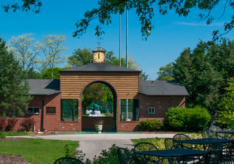photo-The Highlands tennis clubhouse.