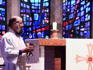 Communion assistant