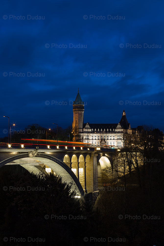 pont adolphe in luxembourg night scene