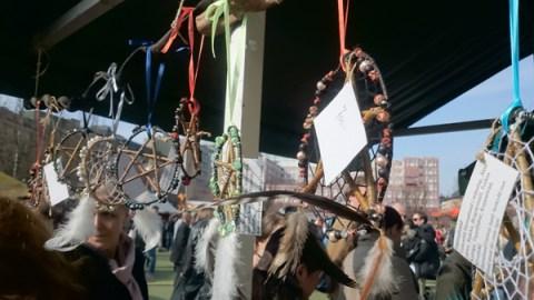 Украшения викиногов на празднике средневековья в стокгольме