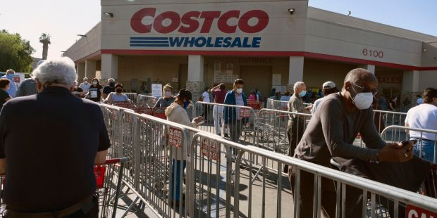 Charlie Munger says Costco 'has one thing that Amazon does not'