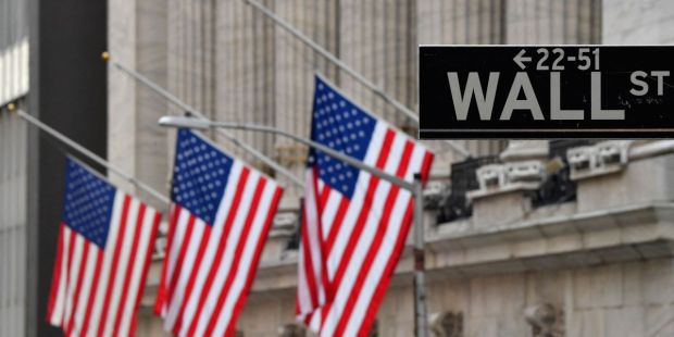 Dow sinks by triple digits early Friday amid disappointment over jobs report
