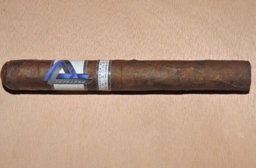 Protocol_Corona_Gorda_by_Cubariqueño_Cigar_Company