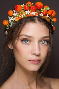 hbz-ss2016-beauty-trends-tropicana-dolce-e-gabb-bks-z-rs16-2633