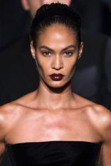hbz-ss2016-trends-makeup-dark-lips-givenchy-clp-rs16-8309