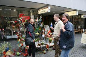 Tamara, Danny und Carsten und die Metallsklupturen