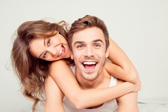 Jak wzmocnić zęby? Sposoby na piękniejsze i zdrowsze uzębienie.