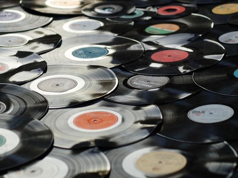 vinyl-1595847_960_720