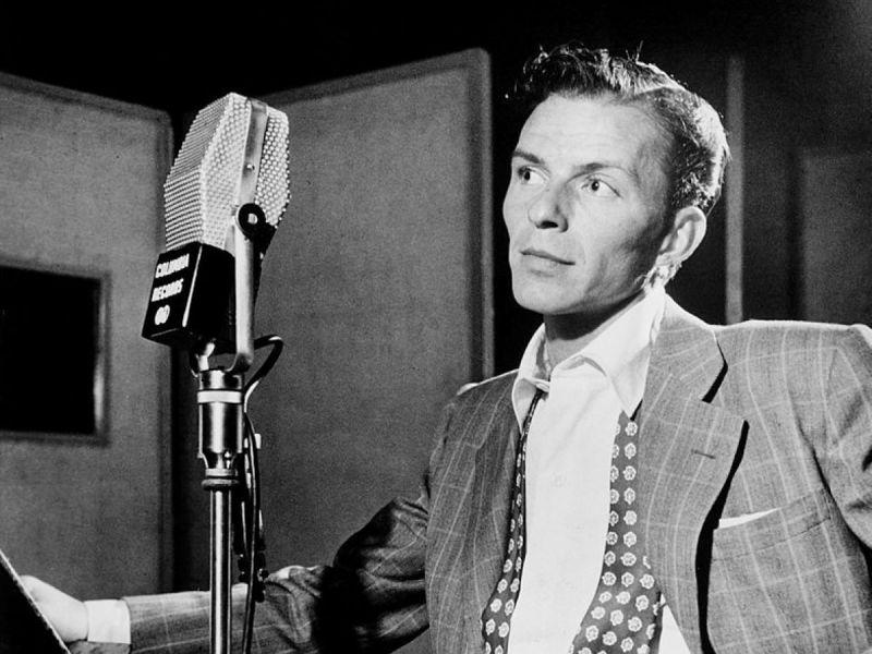800px-Frank_Sinatra_by_Gottlieb_c1947