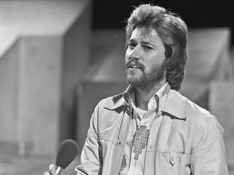 Barry_Gibb_(Bee_Gees)_-_TopPop_1973_1