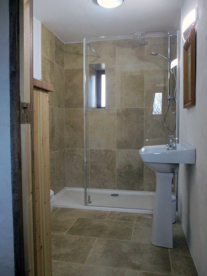 Downstairs en suite shower room.