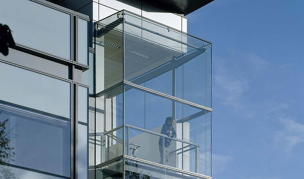 Full Stonescreen curtain wall system faced with 40mm Limestone