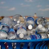 Los 7 beneficios de reciclar plásticos y metales