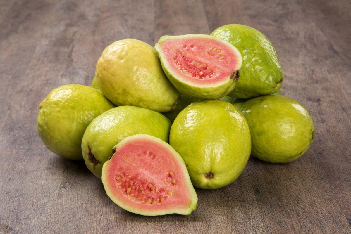Guava gyümölcs előnyös tulajdonságai, összetétele és kalória - Bogyók