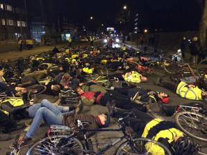 """Campaigners stage a """"die-in"""" at the spot on Bethune Road, Hackney where Stephanie Turner was killed whilst cycling."""
