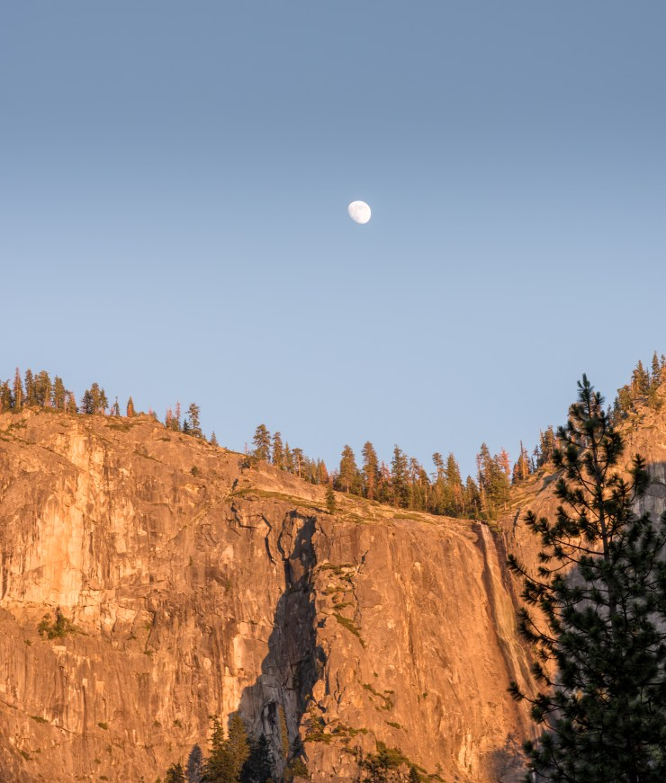 Moonrise at TunnelView