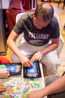 Matt8bit playing Tetris board game