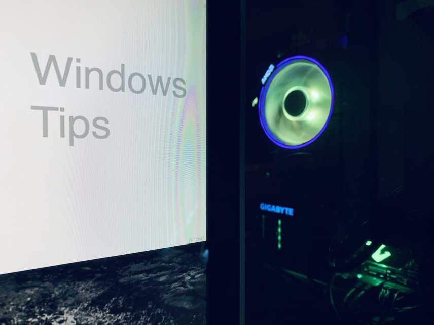 【Windows】画面からウィンドウがはみ出して操作ができない場合の対処法